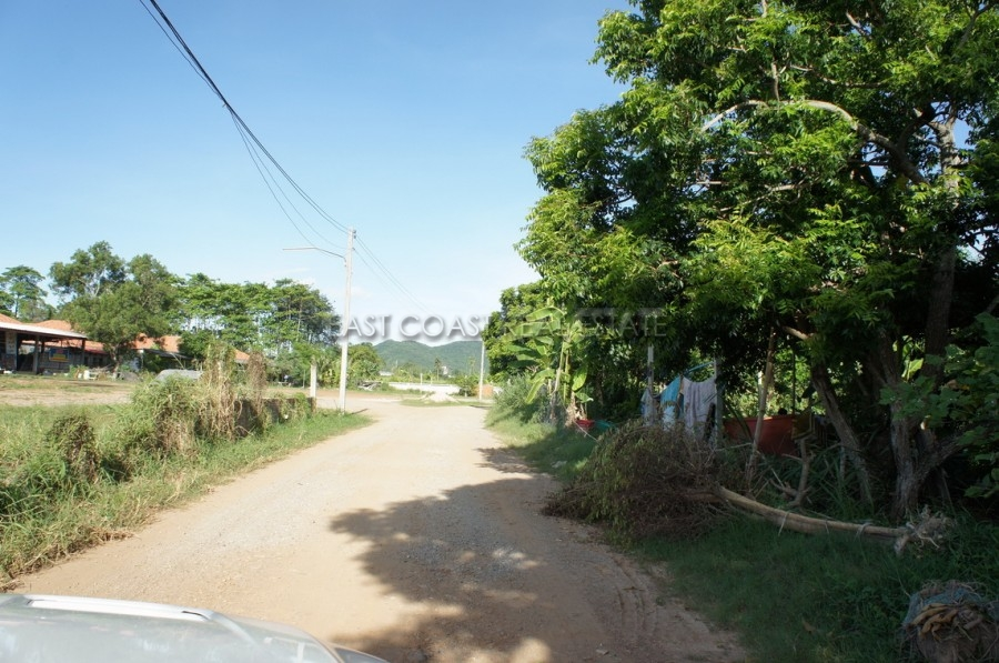 15 Rai land plot in Bang Saray 11