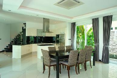Palm Oasis 15
