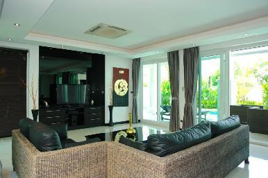Palm Oasis 16