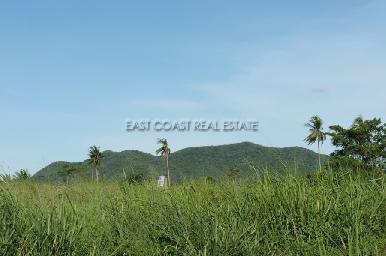 15 Rai land plot in Bang Saray 3