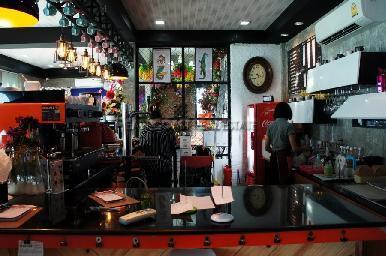 Bua Coffee & Restaurant 6