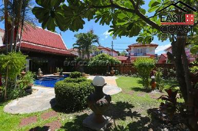 Large Pool Villa in Central Pattaya 10