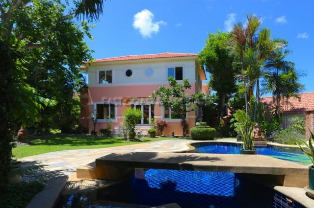 Large Pool Villa in Central Pattaya