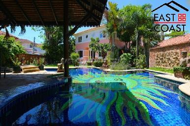 Large Pool Villa in Central Pattaya 3