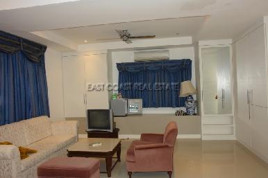 Cosy Beach Mansion 2