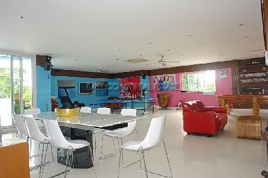 Cosy Beach Mansion 31