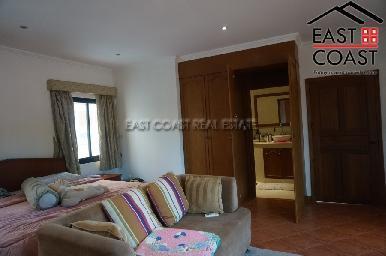 Cosy Beach Villa 26