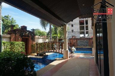 Cosy Beach Villa 5
