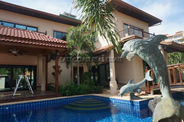 Cosy Beach Villa