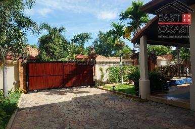 Cosy Beach Villa 8