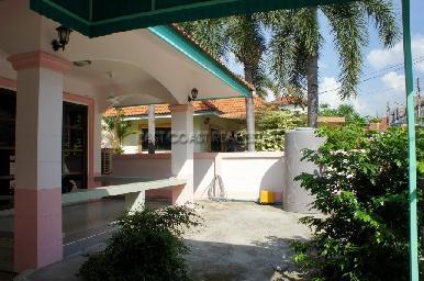 Country Club Villa 8