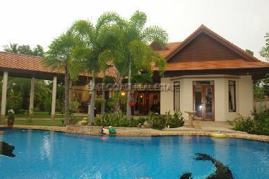 Foxlea Villa 1