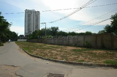 Land with building permits for condominium project 4