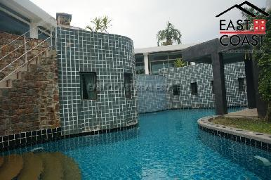 Luxurious Mansion with private pool 4