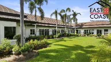 Luxury pool villa 26