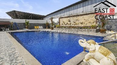 Luxury pool villa 19