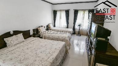 Luxury pool villa 17