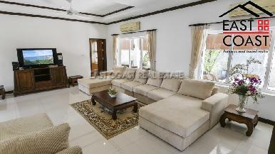 Luxury pool villa 4