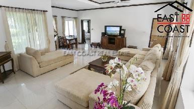 Luxury pool villa 3