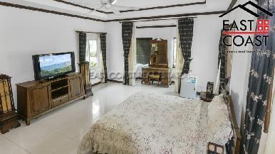 Luxury pool villa 31