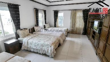 Luxury pool villa 32