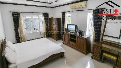 Luxury pool villa 33