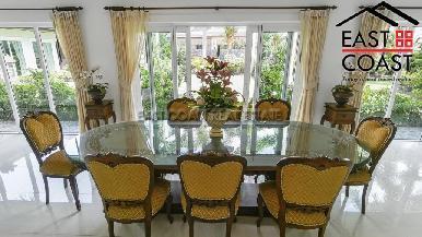 Luxury pool villa 44