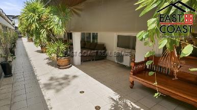 Luxury pool villa 47