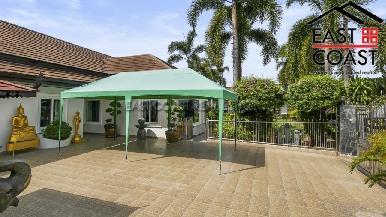 Luxury pool villa 51