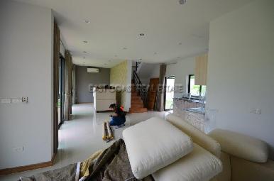 Sunrise Villa Resort  12
