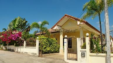 Pobchoke Garden Villa 1