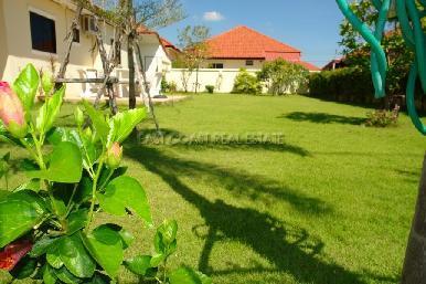 Pobchoke Garden Villa 3