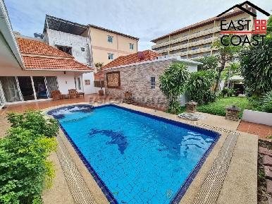 Pratumnak Pool Villa 1