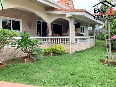 Private House At Soi Thung Klom Tan man 3