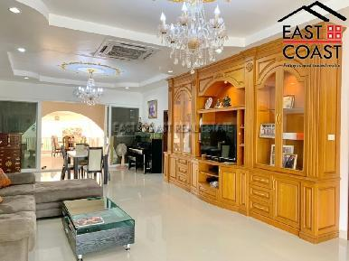 Private House At Soi Thung Klom Tan man 12