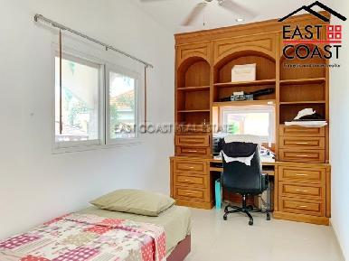 Private House At Soi Thung Klom Tan man 20