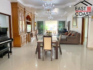 Private House At Soi Thung Klom Tan man 9