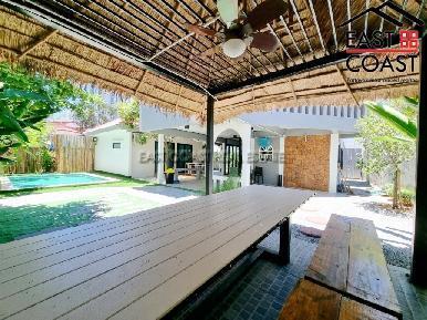 Private Pool Villa in Soi Naklua 16 22