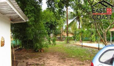 Private house at Mabprachan Lake  9