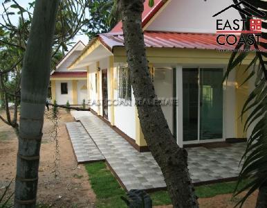 Private house at Mabprachan Lake  14