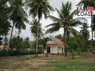 Private house at Mabprachan Lake  5