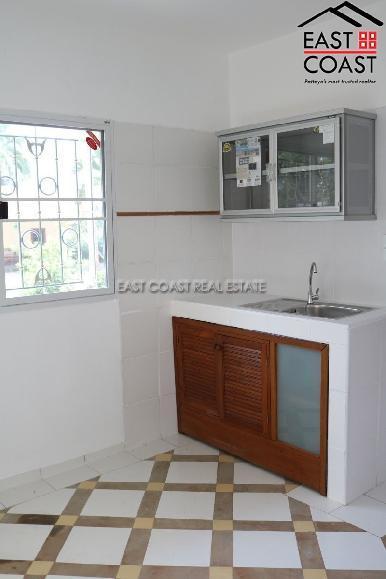 Private house at Mabprachan Lake  6