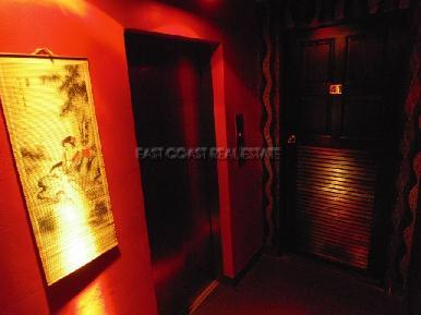Soi Yamoto Bar & Guesthouse 11
