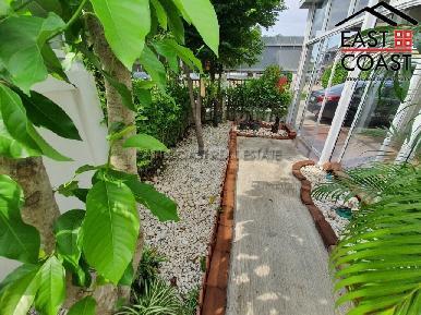 Uraiwan Park Ville 23