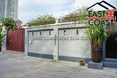 Wongamat Executive Pool Villa 32