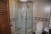 1252916289 bathroom