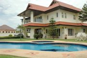 Cosy Beach Luxury Home Houses For Sale in  Pratumnak Hill