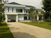 Italian Villa Houses For Sale in  Jomtien
