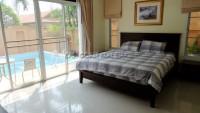 Baronial Villa 932115