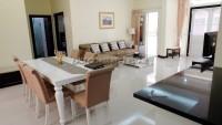 Baronial Villa 932120